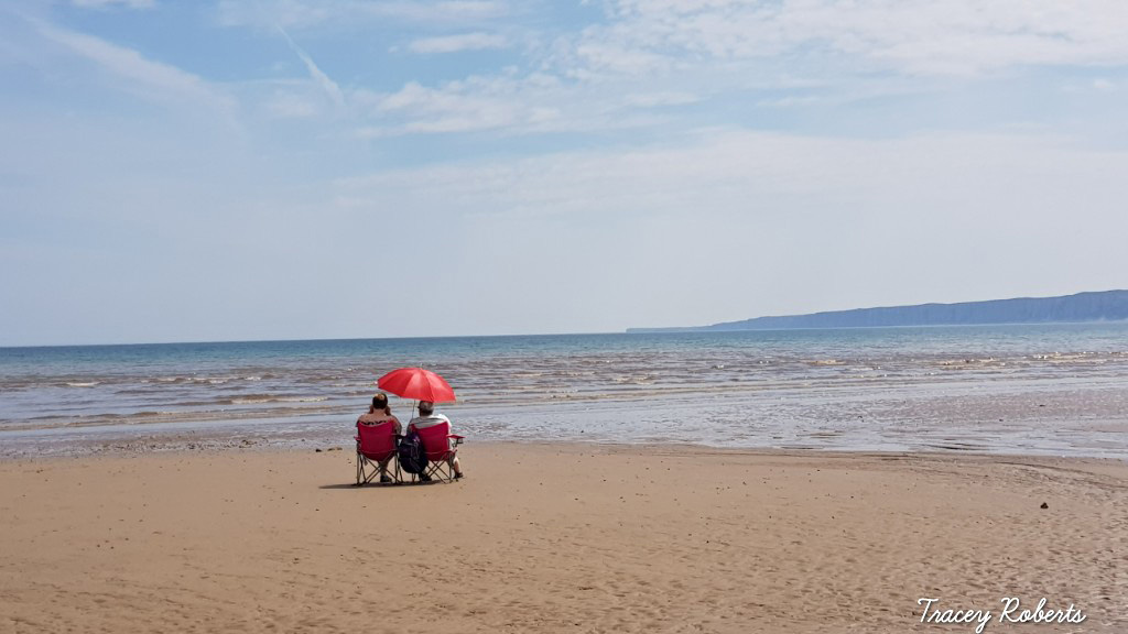 Filey_Beach_-_Tracey_Roberts.jpg