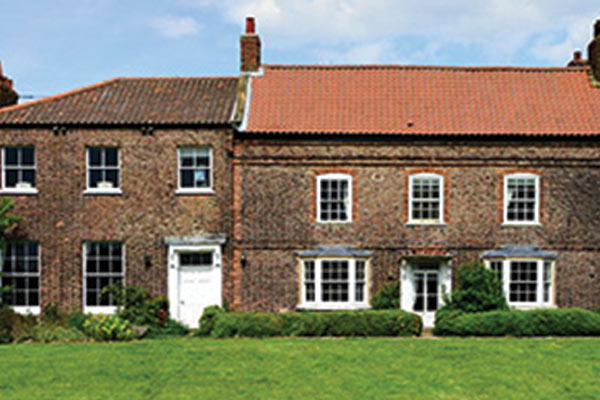 Hornington_Manor_(350x196).jpg