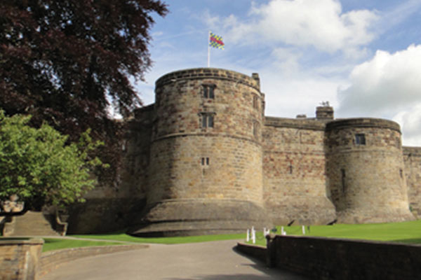 Skipton_Castle_Large_new.jpg