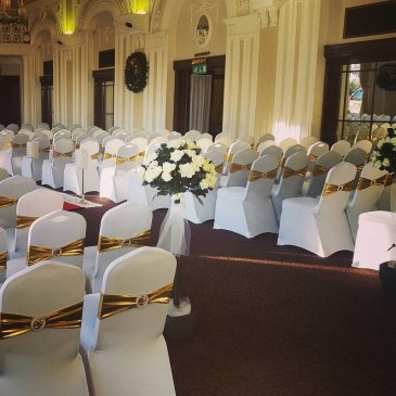 Seating arrangement for ceremony at Cedar Court Hotel