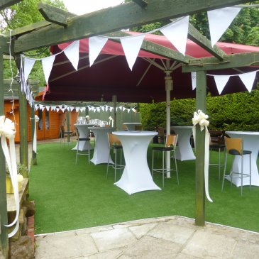 Garden wedding party at Chapters Hotel and Restaurant