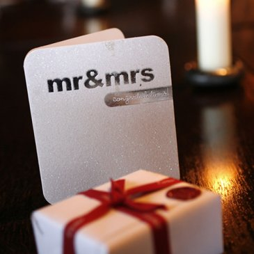 Table decoration with Mr and Mrs written on and little present box