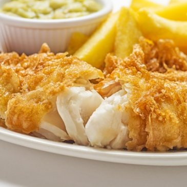 Photograph of fish and chips served at Bizzie Lizzie's.