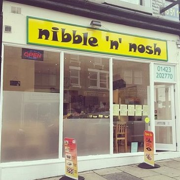 The exterior of Nibble 'n' Nosh.