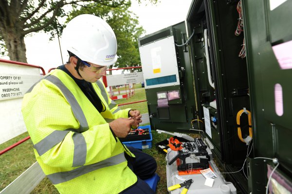 The money will be used to connect nearly 400 public sector sites with fibre broadband across 16 towns