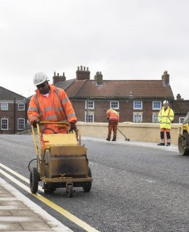 Work on the final repairs to Tadcaster Bridge by North Yorkshire County Council is progressing.