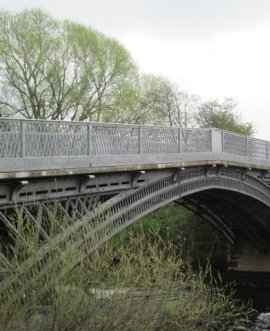 Repairs at Thornton Bridge