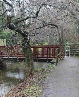 Oakdale Glen footbridge