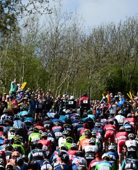 The Tour de Yorkshire riders take on Sutton Bank