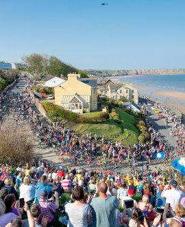 Racers climb through Filey during 2018 Tour de Yorkshire