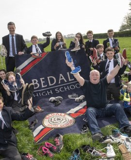 Bedale High School make land art for the Tour de Yorkshire
